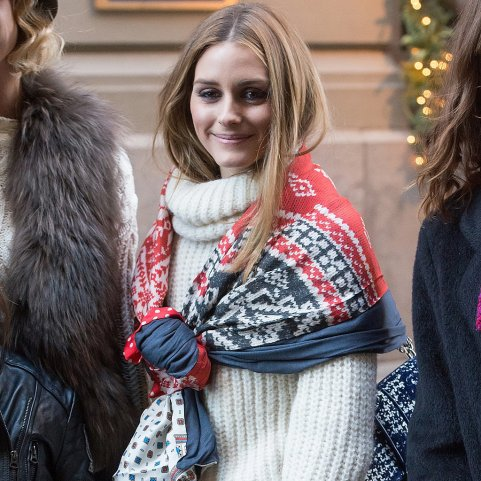 The style of a turtleneck usually means that a scarf is unnecessary. Olivia Palermo shows how this is not the case. popsugar.com