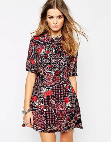 Glamorous fit and flare in geometric print
